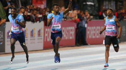 Jobodwana sorprende a Justin Gatlin en el Liquid Telecom Athletix Grand Prix