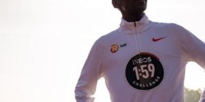 Kipchoge intentará en octubre quebrar la barrera de las 2hs en maratón