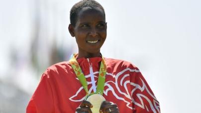 Medallista olimpica en maratón suspendida por doping